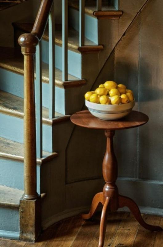 Hinkle_Harry_3StaircaseWithLemons
